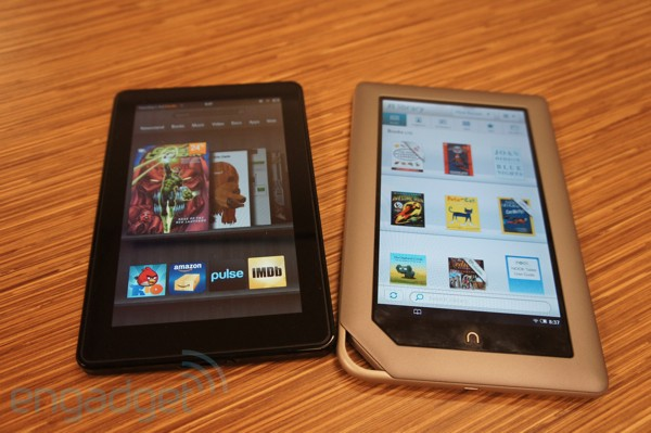 kindle-vs-nook2011-03-1118-42-35600